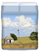 Old Rush County Farmhouse With Windmill Duvet Cover