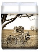 Old Wagon And Homestead Duvet Cover