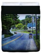 On A Country Road - Lancaster - Pennsylvania Duvet Cover