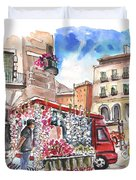 Onion And Garlic Street Seller In Siracusa Duvet Cover