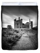 Path To Kilchurn Castle Duvet Cover