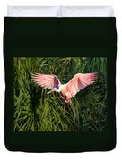 Pink Bird Flying - Spoonbill Coming In For A Landing Duvet Cover