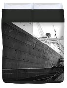 Portside Bw Queen Mary Ocean Liner Long Beach Ca Duvet Cover