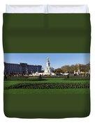 Queen Victoria Memorial At Buckingham Duvet Cover