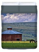 Red Barn And Barbed Wire Duvet Cover
