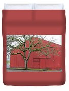 Red Barn And Green Tree In Dundee Hills Oregon Wine Country Duvet Cover