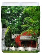 Red Farm Shed Duvet Cover by Susan Savad