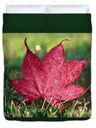 Red Maple Leaf And Dew Duvet Cover