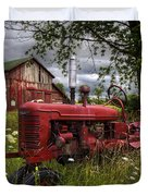 Reds In The Pasture Duvet Cover