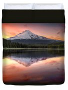 Reflection Of Mount Hood On Trillium Lake At Sunset Duvet Cover