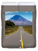 Road Leading To Active Volcanoe Mt Ngauruhoe In Nz Duvet Cover