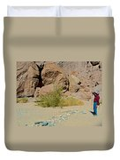 Rock Arrow And Terry Directing Into Ladder Canyon From Big Painted Canyon Trail In Mecca Hills-ca  Duvet Cover