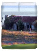 Rose Shack At 17 - Chambers Bay Golf Course Duvet Cover