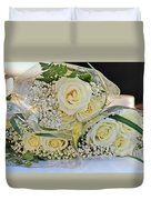 Roses And Baby Breath Duvet Cover