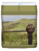 Rusty Keep Out Sign On Fence - California Usa Duvet Cover