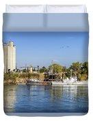 Sacramento River Scene Duvet Cover