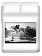 Savannah Fountain - Black And White Duvet Cover
