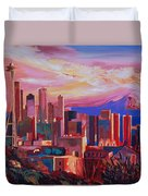 Seattle Skyline With Space Needle And Mt Rainier Duvet Cover