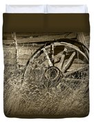 Sepia Toned Photo Of An Old Broken Wheel Of A Farm Wagon Duvet Cover