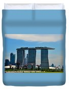 Singapore Skyline With Marina Bay Sands And Gardens By The Bay Supertrees Duvet Cover