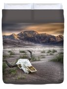 Skull In The Desert Duvet Cover