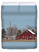 Small Red Barn With Windmill Duvet Cover