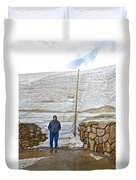 Snow Piles At Alpine Visitor's Center In Rocky Mountain National Park-colorado Duvet Cover