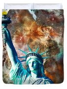 Statue Of Liberty - She Stands Duvet Cover