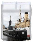 Submarine 319 On Delaware River  Duvet Cover