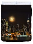 Super Moon Over Nyc Duvet Cover by Susan Candelario