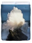 Surf Erupts On The Rocks At Shore Acres Duvet Cover
