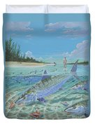 Tailing Bonefish In003 Duvet Cover by Carey Chen