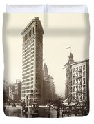 The Flatiron Building In Ny Duvet Cover