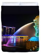 The Merlion Fountain And Marina Bay Sands - Singapore Duvet Cover