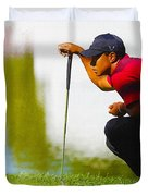 Tiger Woods Lines Up A Putt On The 18th Green Duvet Cover