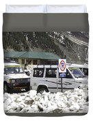 Tourist Vehicles Parked At The No Parking Sign In Sonmarg Duvet Cover