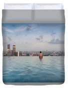 Tourists At Infinity Pool Of Marina Bay Duvet Cover