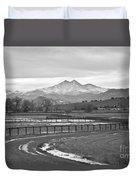 Twin Peaks Mt Meeker And Longs Peak Bw Country Duvet Cover