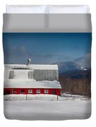 Vermont Barn In Snow With Mountain Behind Duvet Cover