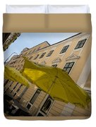 Vienna Street Life - Cheery Yellow Umbrellas At An Outdoor Cafe Duvet Cover