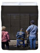 Vietnam Veterans Paying Respect To Fallen Soldiers At The Vietnam War Memorial Duvet Cover