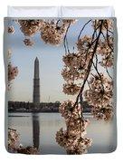 Washington Monument Framed By Blossoms Duvet Cover