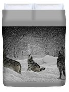 Winters Eve Howling Duvet Cover