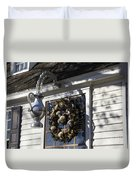 Wreath At Chownings Tavern Duvet Cover