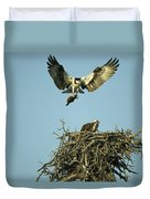 An Osprey Carrying A Fish Back Duvet Cover