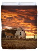 Barn On Highway 21 Duvet Cover
