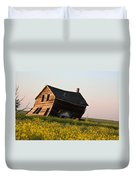 Weathered Old Farm House In Scenic Saskatchewan Duvet Cover