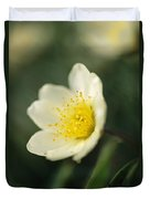 A Close View Of A Wildflower In Yoho Duvet Cover