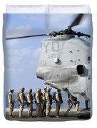 Marines Board A Ch-46e Sea Knight Duvet Cover