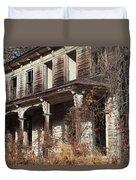 Abandoned Dilapidated Homestead Duvet Cover by John Stephens